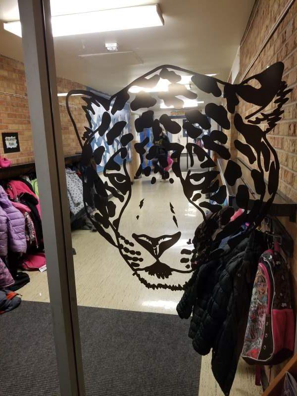 jaguar window vinyl e1535044058924 - jaguar-window-vinyl